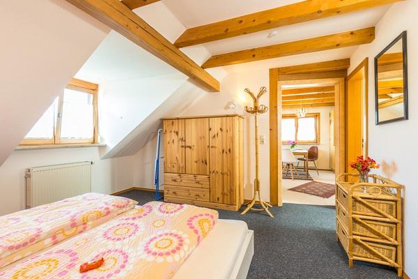 Ferienwohnung im DG: Dachgeschoss - Schlafzimmer. Haus Christine am Vogelsang, Ferienwohnungen in Lindau am Bodensee.
