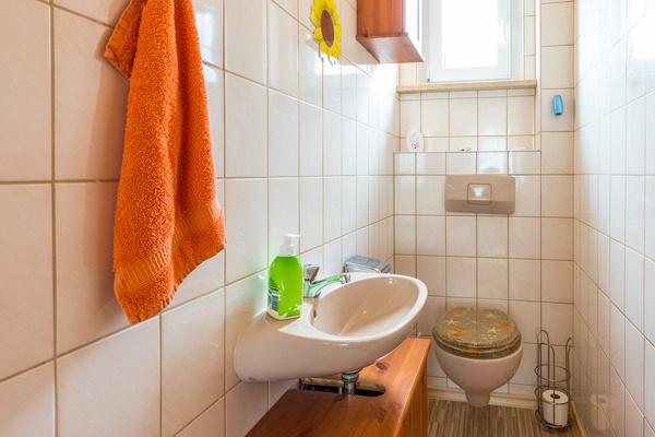 Ferienwohnung im OG: 1. Obergeschoss - WC. Haus Christine am Vogelsang, Ferienwohnungen in Lindau am Bodensee.